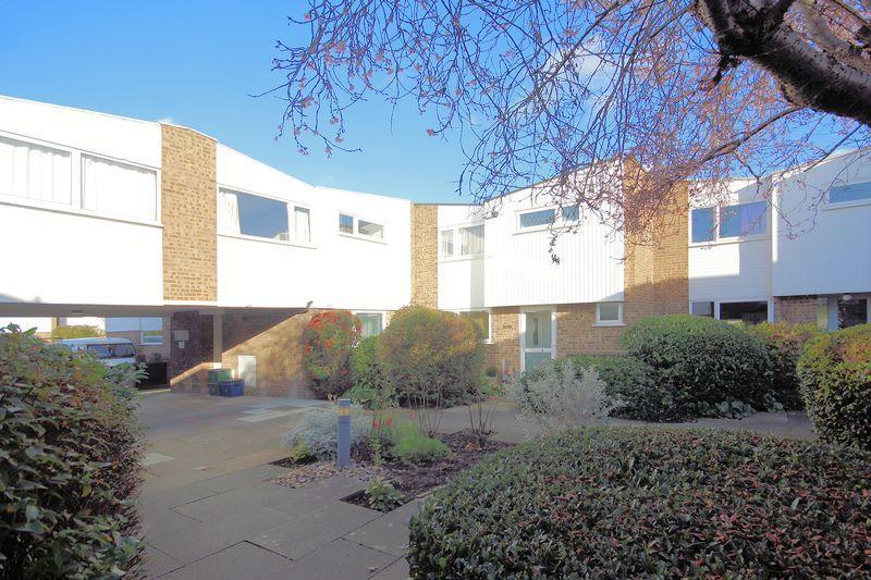 4 Bedrooms Terraced House for sale in Regency Walk, Shirley