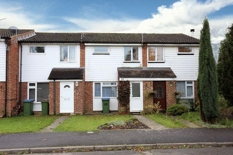 3 Bedrooms Terraced House for sale in Burrell Close, Horsham