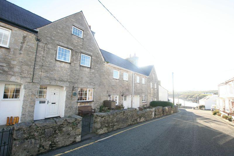 3 Bedrooms Terraced House for rent in Moelfre, Anglesey