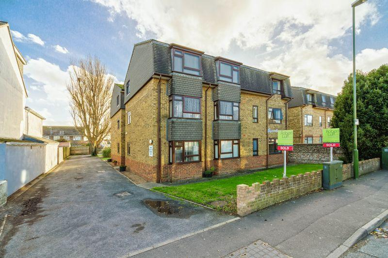 1 Bedroom Flat for sale in Penhill Road, Lancing