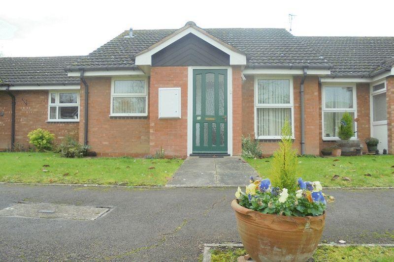 1 Bedroom Bungalow for sale in Shephard Mead, Tewkesbury