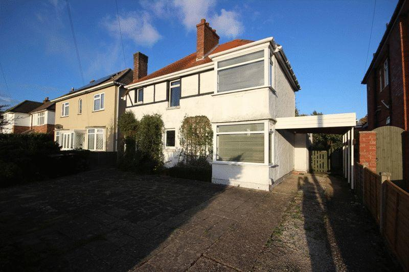4 Bedrooms Detached House for sale in Fairmile Road, Christchurch