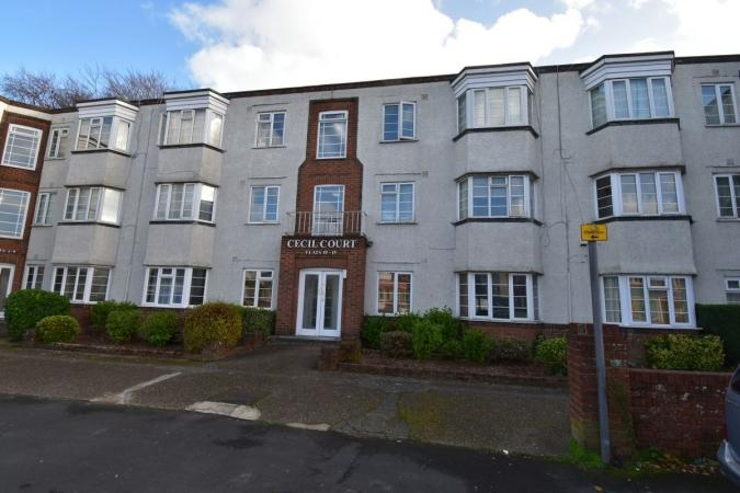2 Bedrooms Flat for sale in Charminster , Charminster