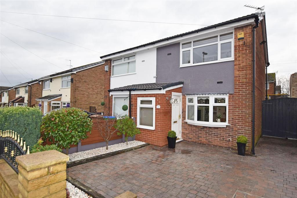 2 Bedrooms Semi Detached House for sale in Glenwood Drive, Boarshaw, Middleton