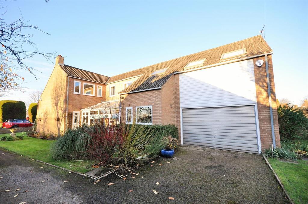 4 Bedrooms Detached House for sale in School Lane, Upper Poppleton, York