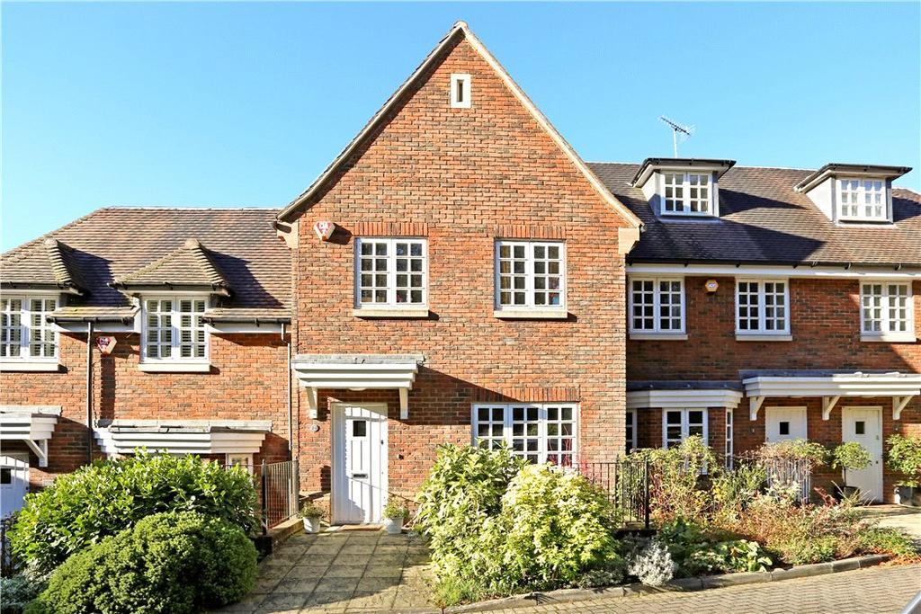 3 Bedrooms Terraced House for sale in Homelands, Midhurst Road, Haslemere, Surrey, GU27