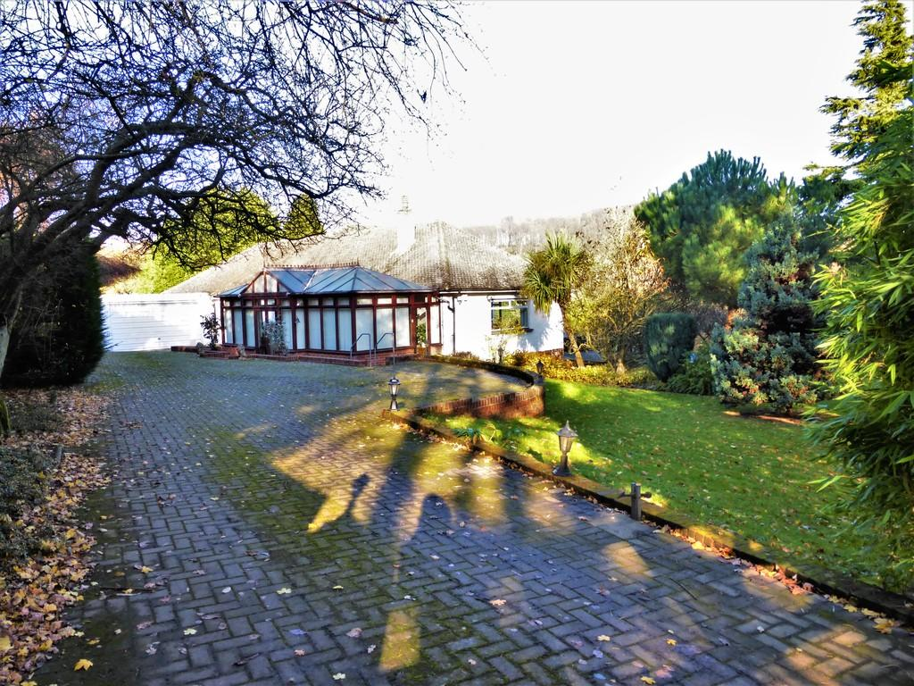 3 Bedrooms Detached Bungalow for sale in Scragged Oak Road, Detling