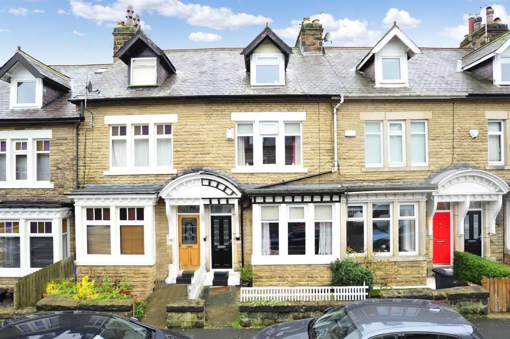 4 Bedrooms Terraced House for sale in Grange Avenue, Harrogate