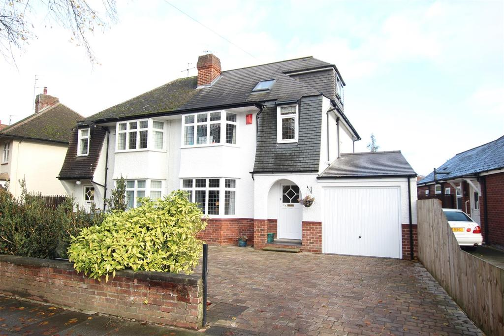 4 Bedrooms Semi Detached House for sale in Carmel Road South, Darlington