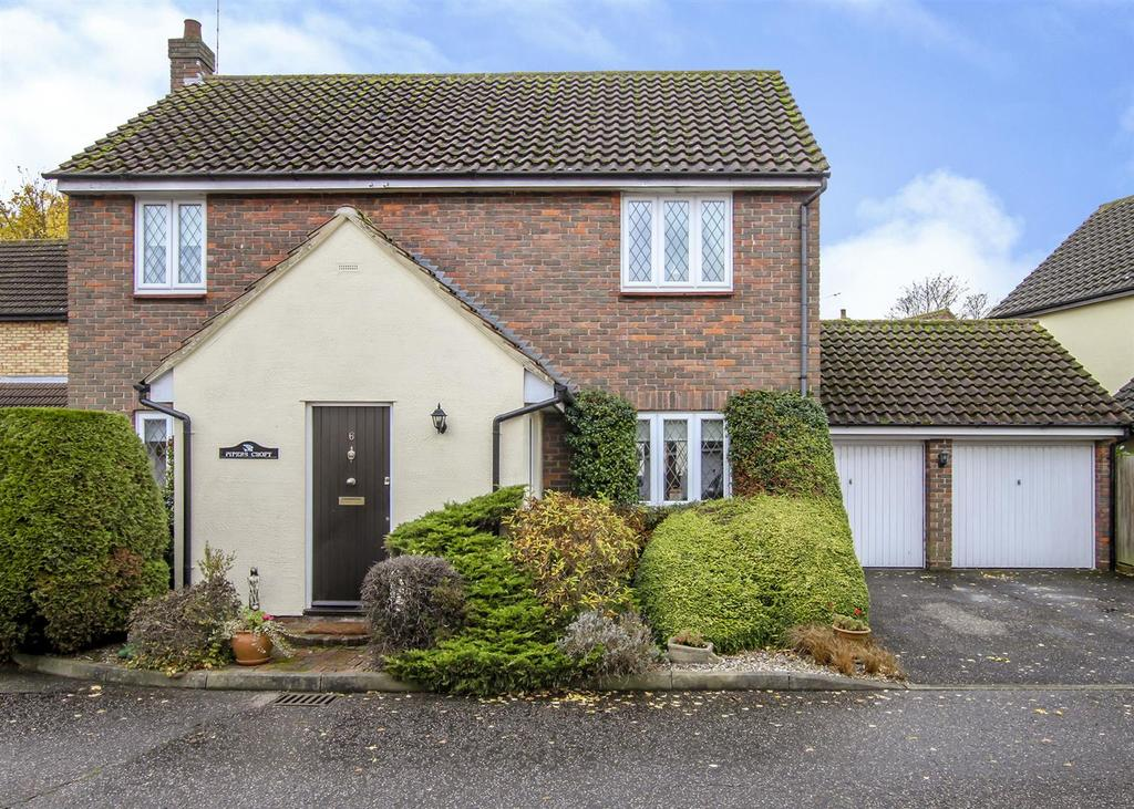 4 Bedrooms Detached House for sale in The Finchingfields, Kelvedon Hatch, Brentwood