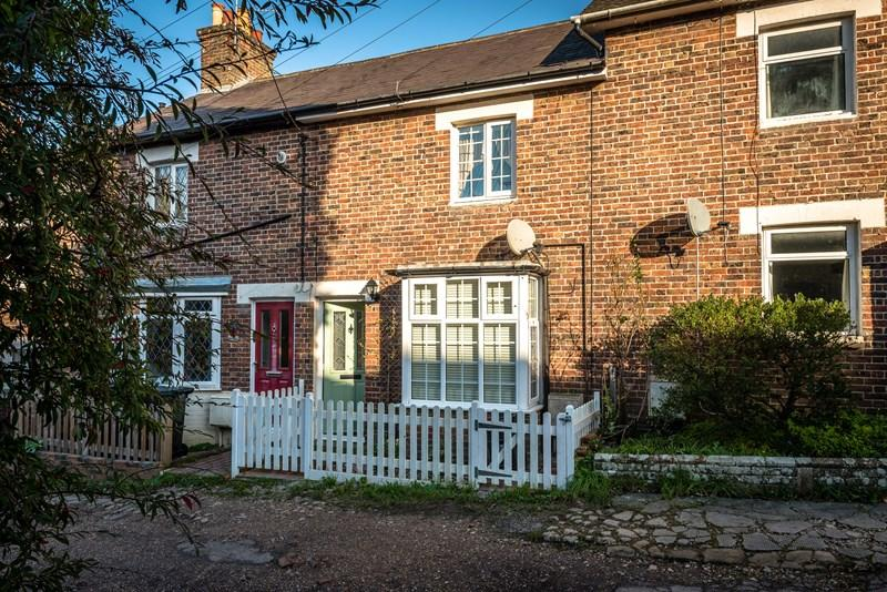3 Bedrooms Terraced House for sale in North Row, Uckfield