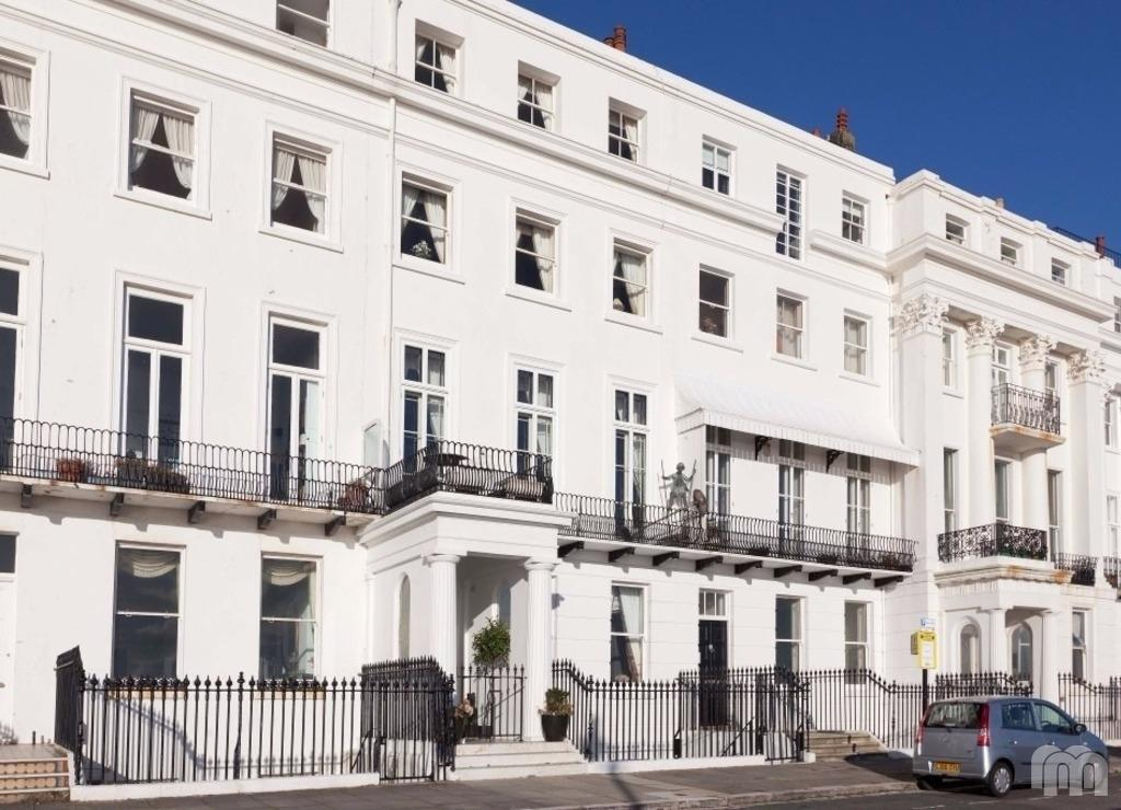 5 Bedrooms Maisonette Flat for rent in Arundel Terrace Brighton East Sussex BN2