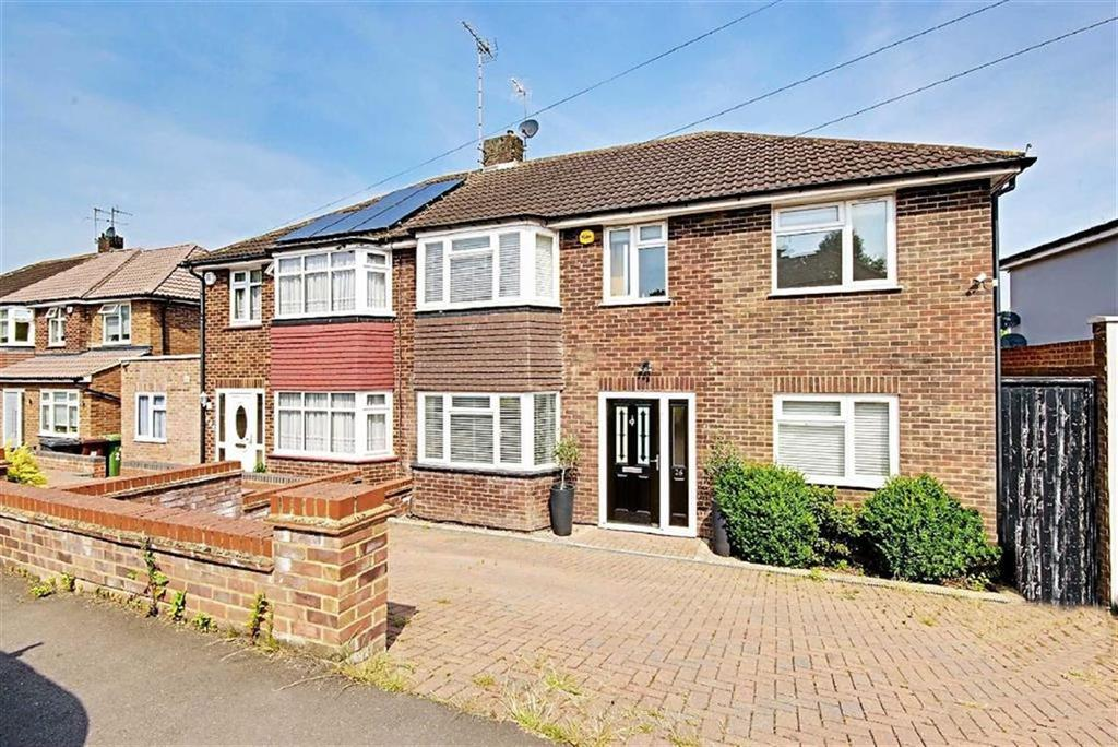 4 Bedrooms Semi Detached House for sale in Lullington Garth, Borehamwood, Hertfordshire