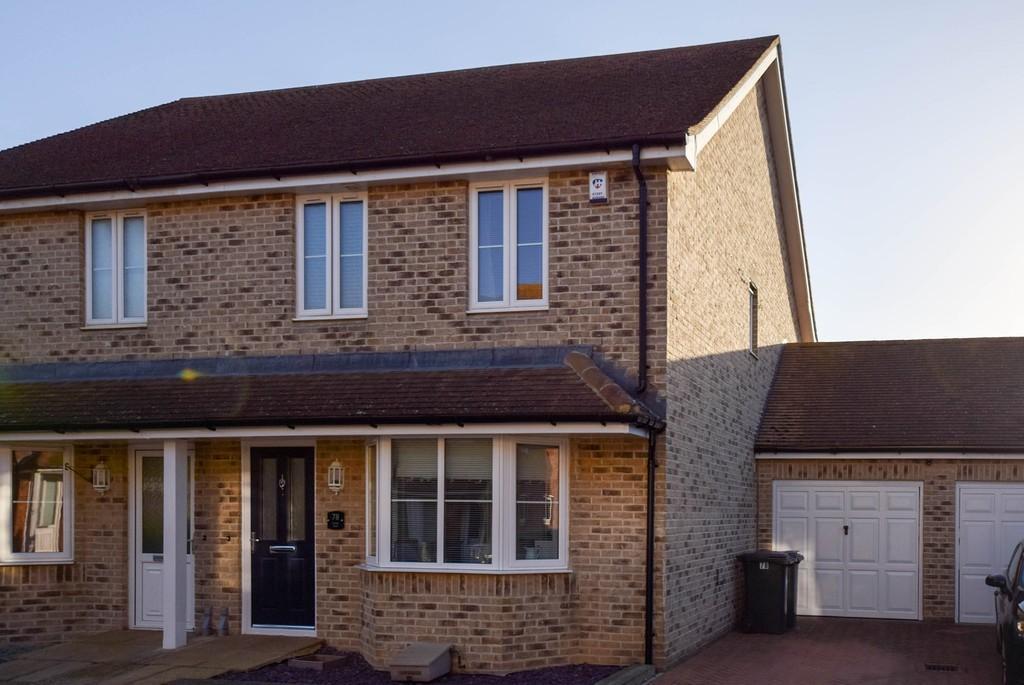 3 Bedrooms Semi Detached House for sale in Neville Road, Beltinge, Herne Bay