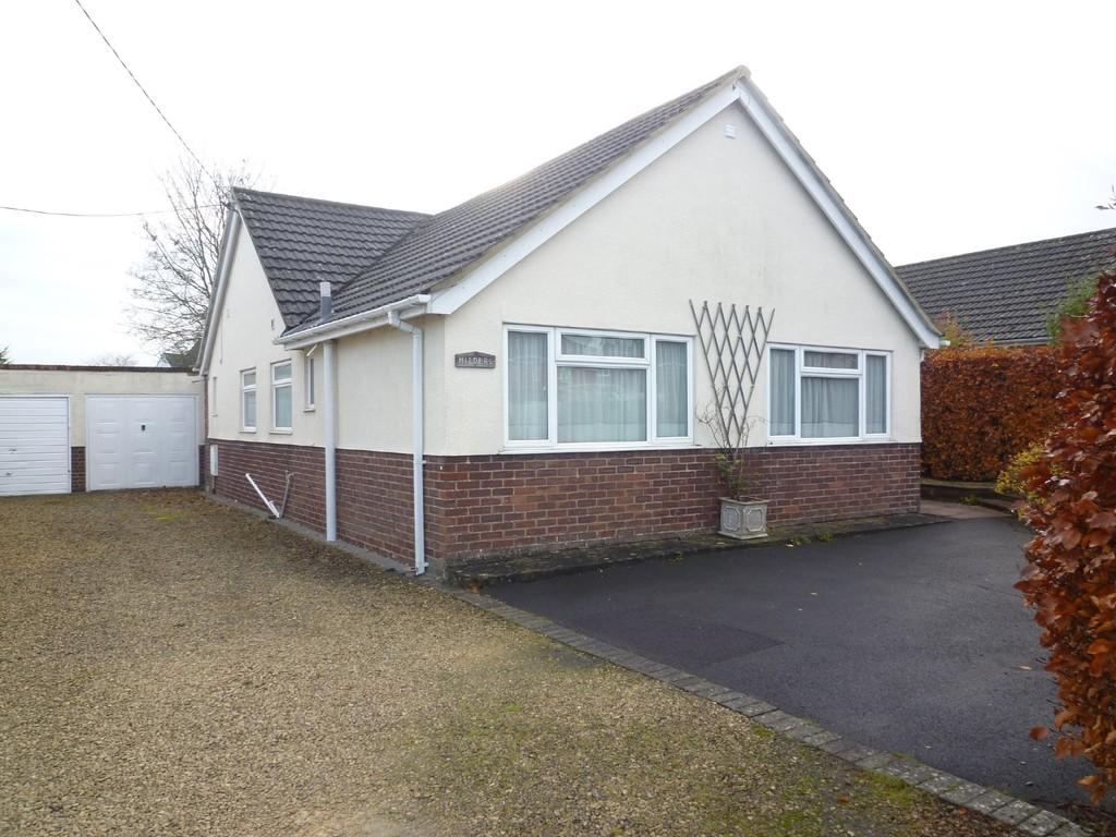 2 Bedrooms Detached Bungalow for sale in Trowbridge, Wiltshire