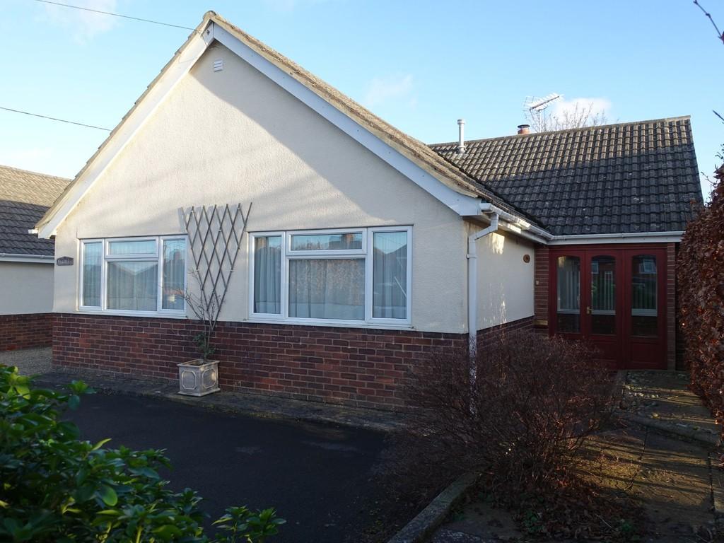 2 Bedrooms Detached Bungalow for sale in Trowbridge, Wiltshire