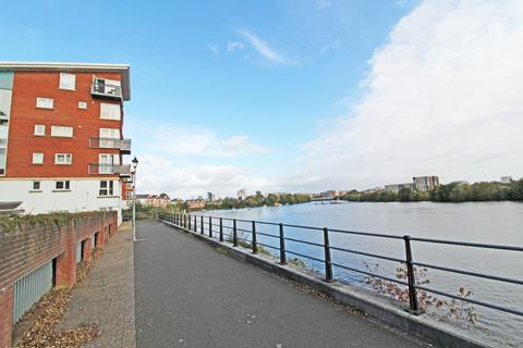 2 bedroom apartment to rent - Sandwharf, Cardiff Bay