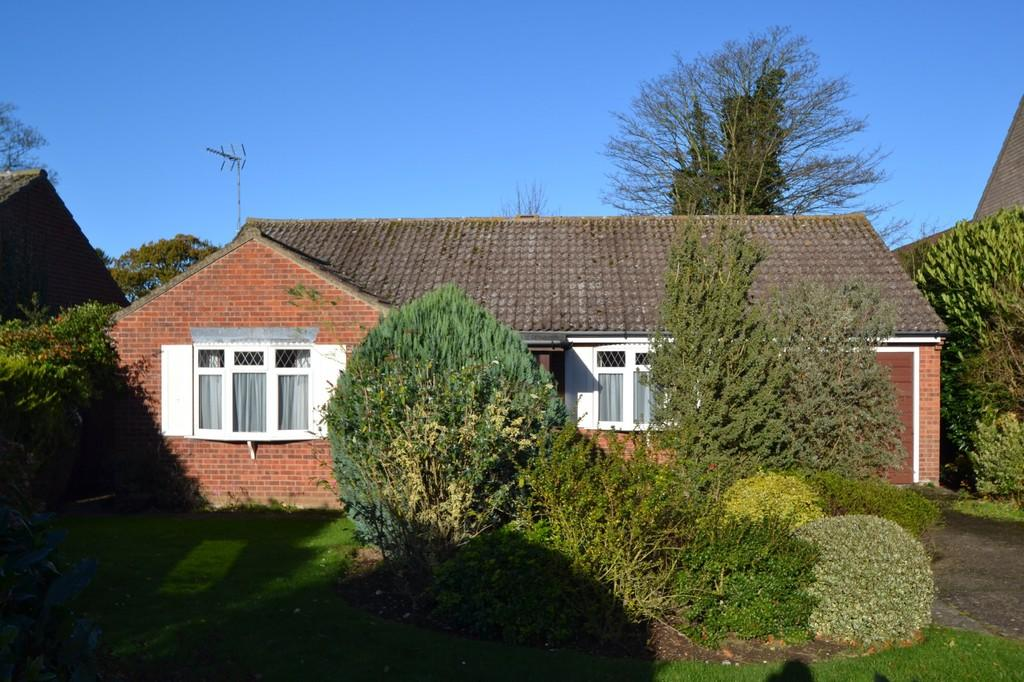 3 Bedrooms Detached Bungalow for sale in Holt