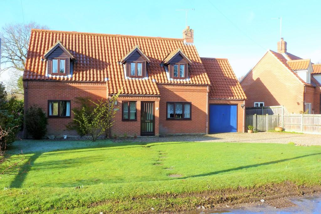 4 Bedrooms Detached House for sale in Swanton Abbott