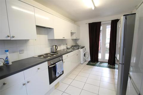 3 bedroom terraced house to rent - Wakefield Road, Norwich
