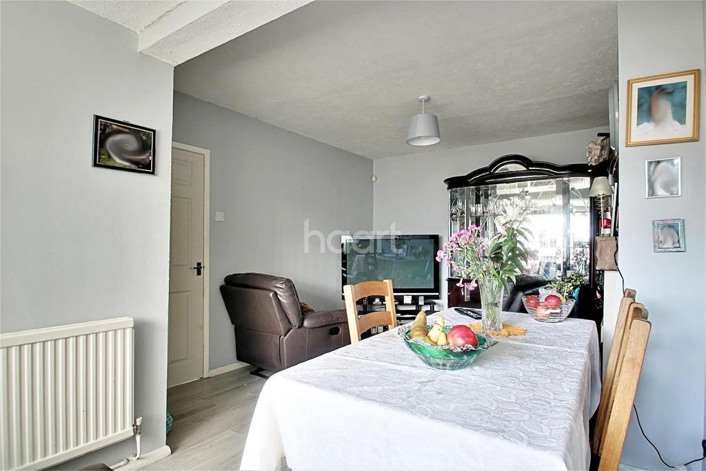 3 Bedrooms Bungalow for sale in Morris Avenue, Rushden