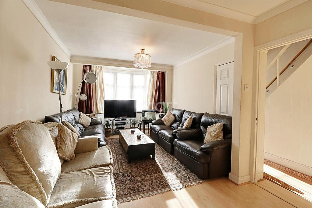 3 Bedrooms End Of Terrace House for sale in Perivale