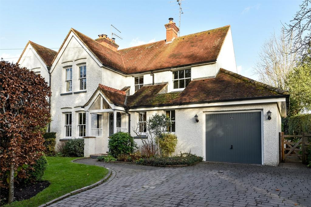 3 Bedrooms Semi Detached House for sale in Rowledge, Farnham, Surrey