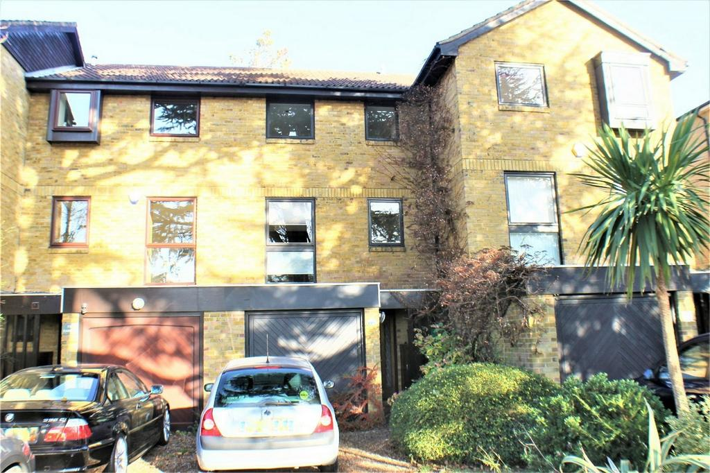 4 Bedrooms Terraced House for sale in Park Road, Beckenham