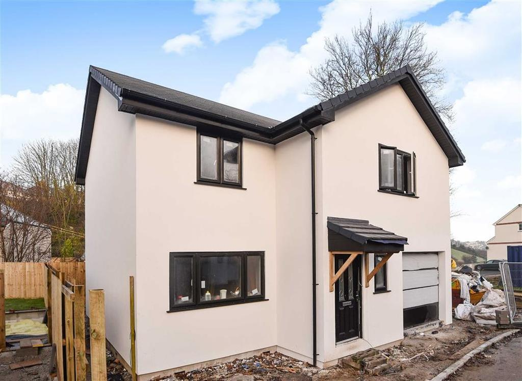 4 Bedrooms Detached House for sale in Chapel Close, Chapel Hill, Launceston, Cornwall, PL15