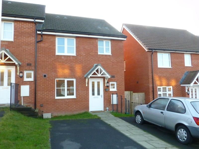 3 Bedrooms End Of Terrace House for sale in Dol Y Dderwen , Ammanford, Carmarthenshire.