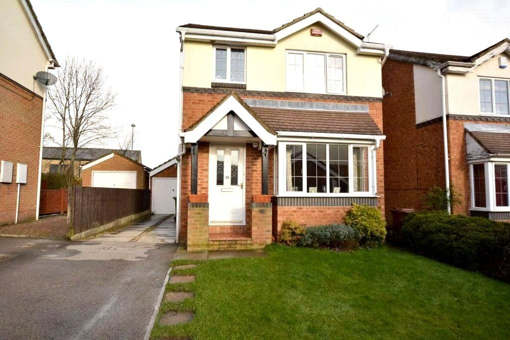 3 Bedrooms Detached House for sale in Earlswood Mead, Pudsey, West Yorkshire