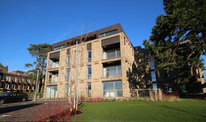 2 Bedrooms Apartment Flat for sale in Beacon Heights, Church Road, Haywards Heath