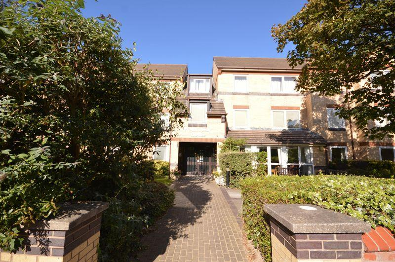 1 Bedroom Retirement Property for sale in Riversdale Road, West Kirby
