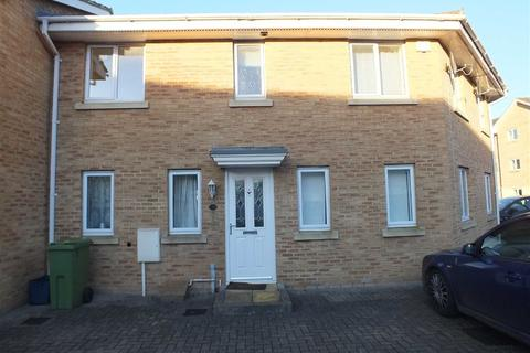 3 bedroom terraced house to rent - Lloyd Close, Hesters Way, Cheltenham