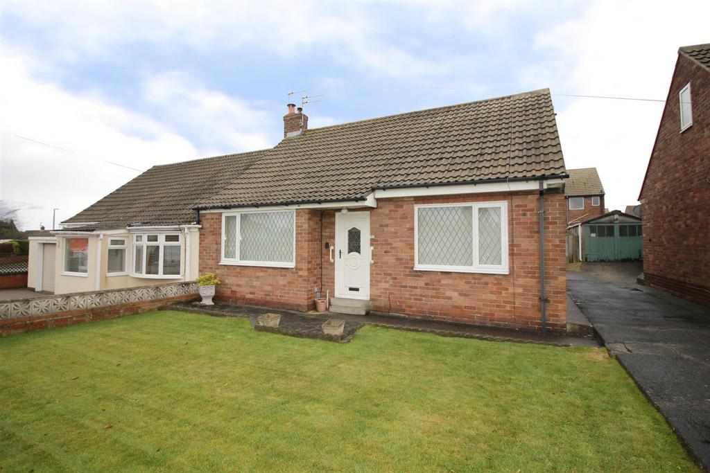 2 Bedrooms Semi Detached Bungalow for sale in Harbottle Avenue, Shiremoor, Newcastle Upon Tyne