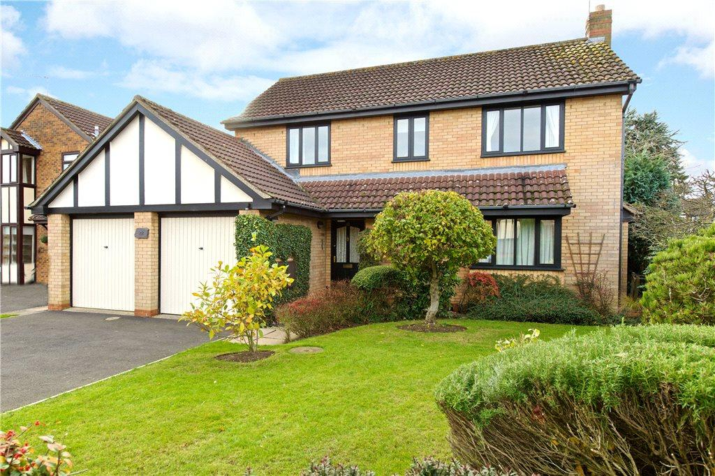 4 Bedrooms Detached House for sale in Harefoot Close, Duston, Northamptonshire