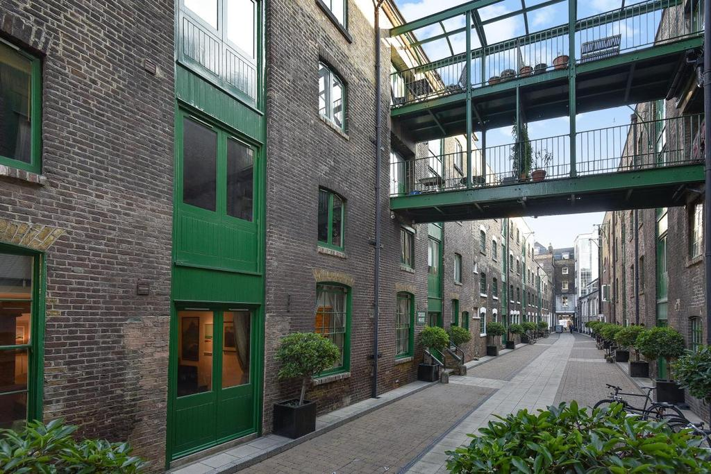 2 Bedrooms Flat for sale in Maidstone Buildings Mews, Borough