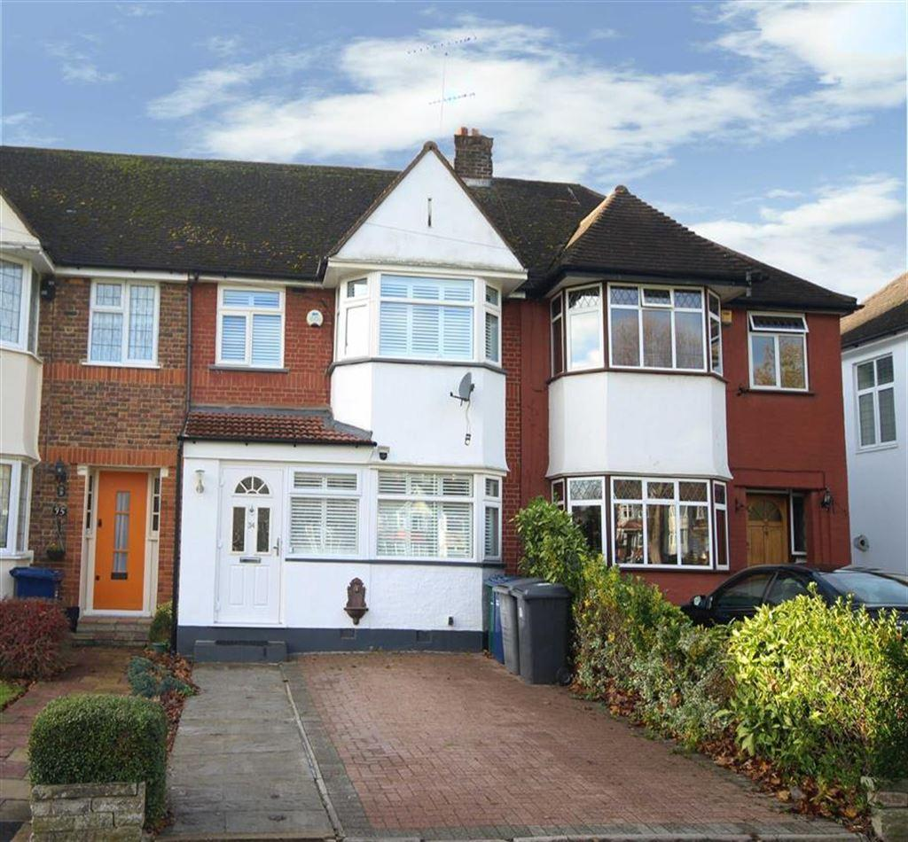 3 Bedrooms Terraced House for sale in West Walk, East Barnet, Hertfordshire