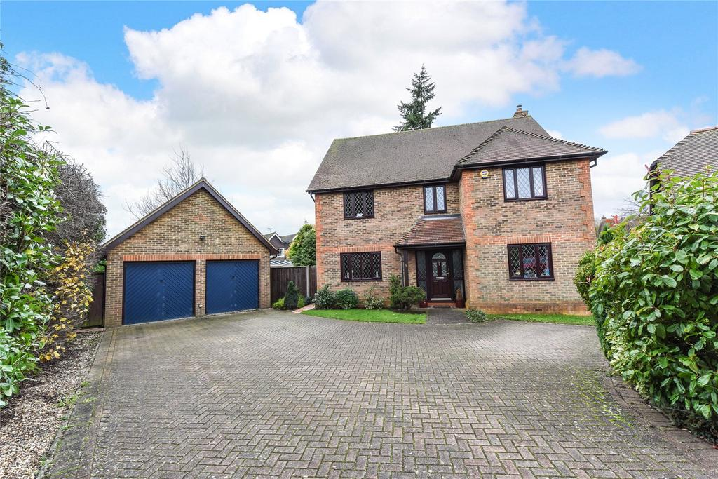 4 Bedrooms Detached House for sale in Kingswood Rise, Four Marks, Alton, Hampshire