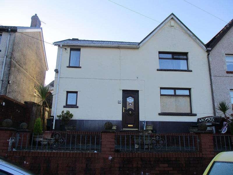 3 Bedrooms Semi Detached House for sale in Heol Tewdwr , Cymmer, Port Talbot, Neath Port Talbot.