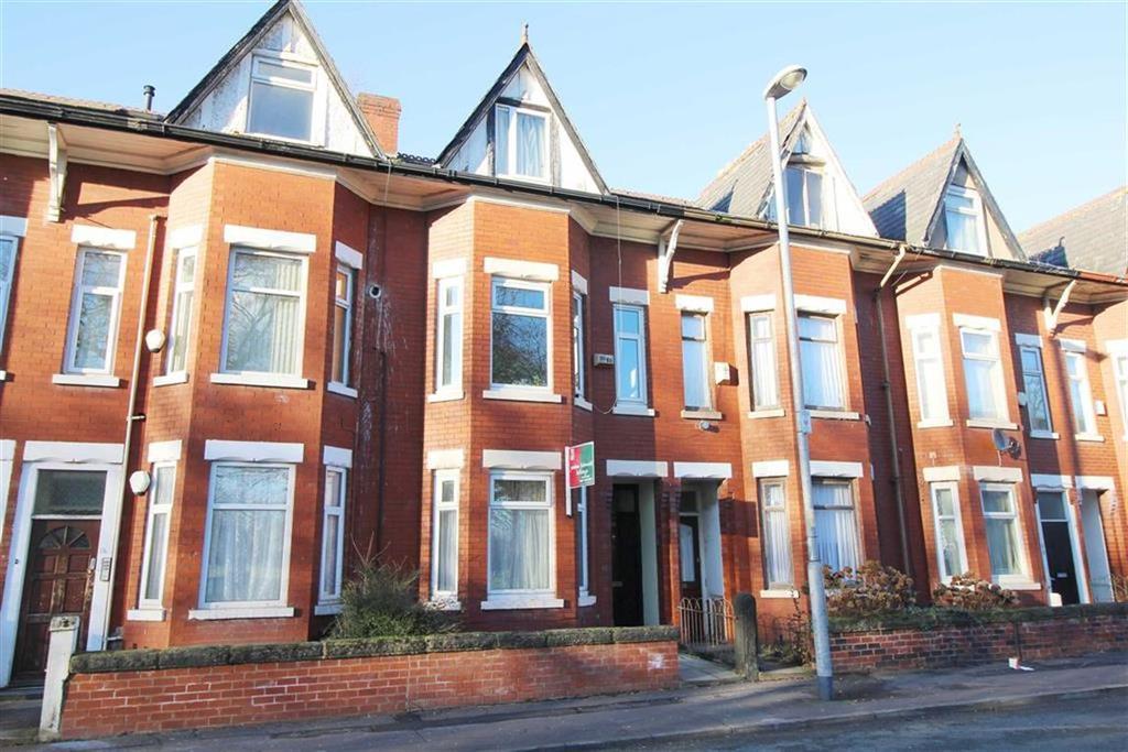 5 Bedrooms House Share for rent in Platt Lane, Manchester