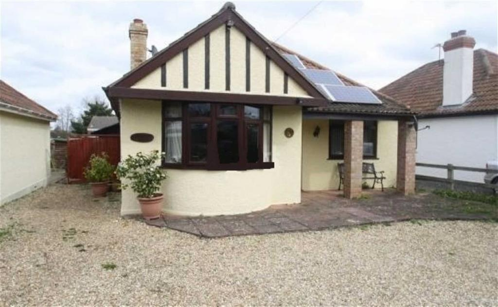 3 Bedrooms Bungalow for sale in Upper Holway Road, Taunton, Taunton, Somerset, TA1