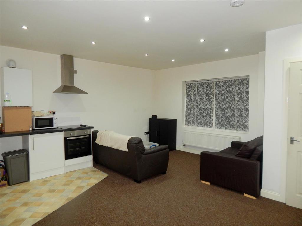 1 Bedroom Apartment Flat for sale in Swansea Road, Pontardawe, Swansea
