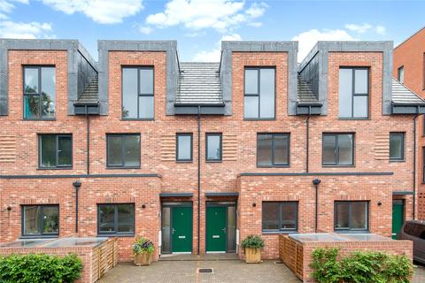 3 bedroom end of terrace house for sale - Reynard Mills, Windmill Road, Brentford, Middlesex, TW8