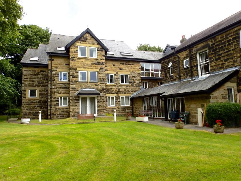 1 Bedroom Apartment Flat for sale in HOLMWOOD, 21 PARK CRESCENT, LEEDS, LS8 1DH