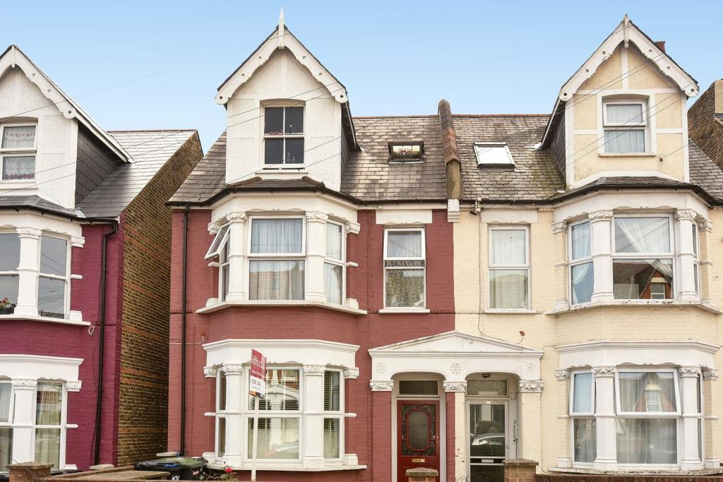 2 Bedrooms Flat for sale in Holmesdale Road, South Norwood