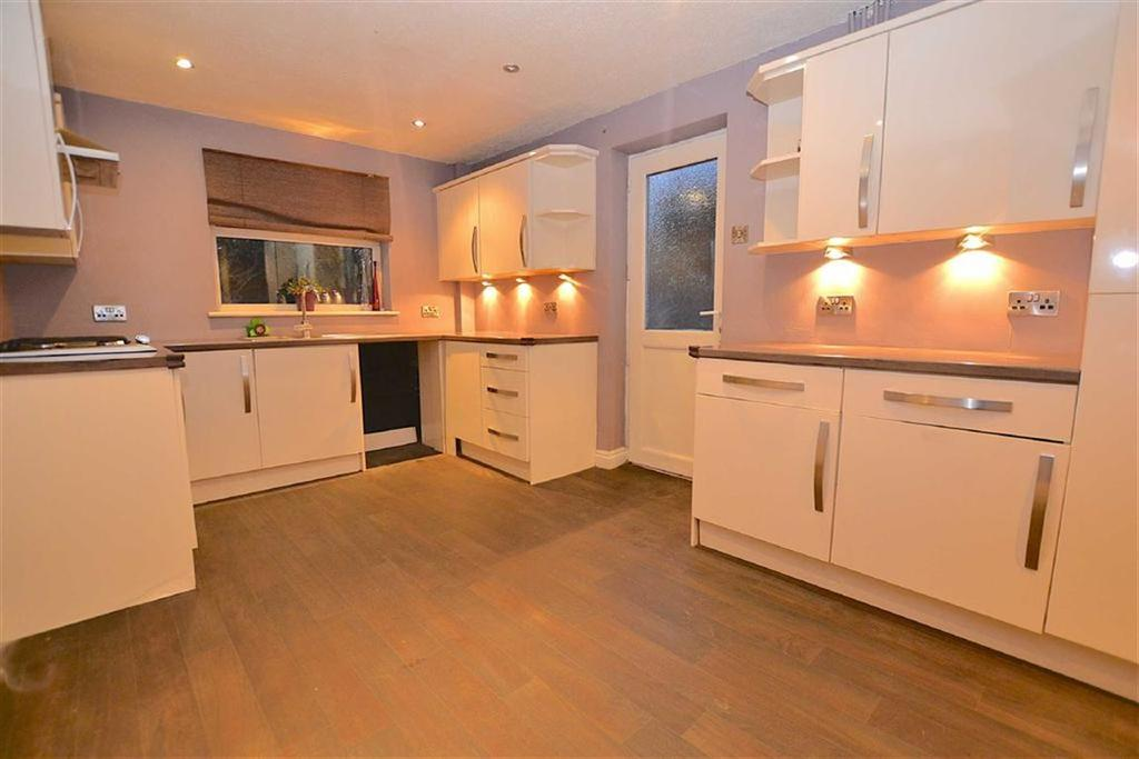 3 Bedrooms Detached House for sale in Grisedale Drive, Burnley, Lancashire