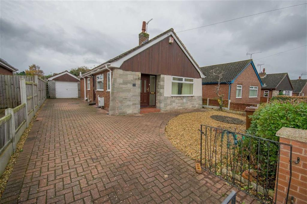 3 Bedrooms Detached Bungalow for sale in Aston Park Road, Shotton, Deeside