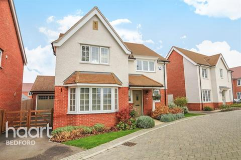 4 bedroom detached house to rent - Loves Farm