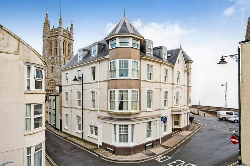 3 Bedrooms Apartment Flat for sale in Den Promenade, Teignmouth